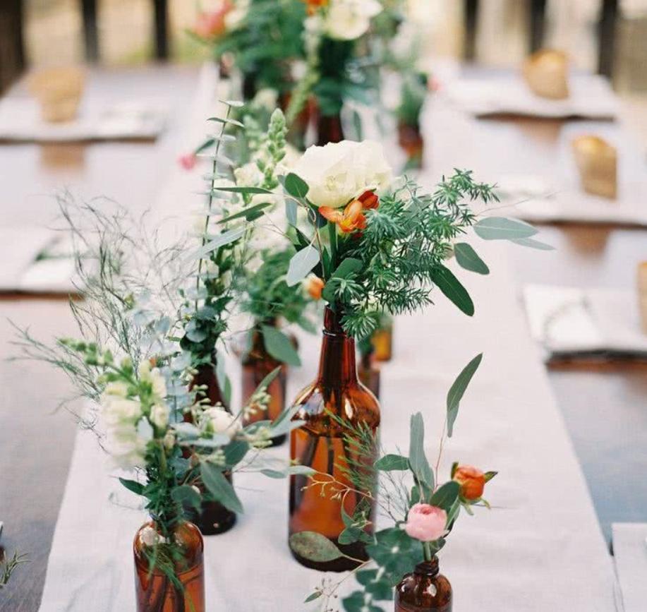 Ideas para decorar eventos especiales con centros de flores 1