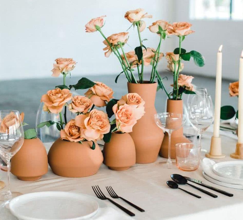 Ideas para decorar eventos especiales con centros de flores 2
