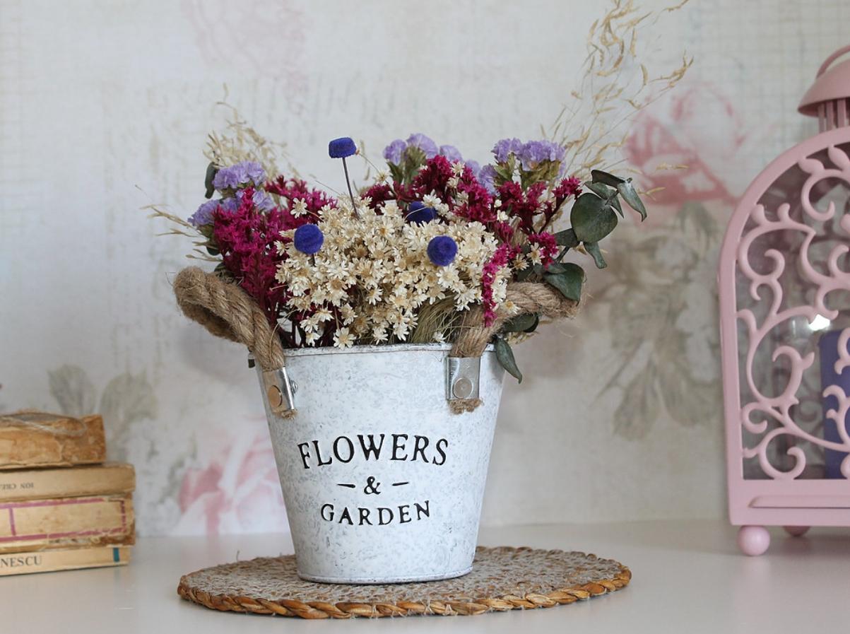 Ideas para decorar eventos especiales con centros de flores 3