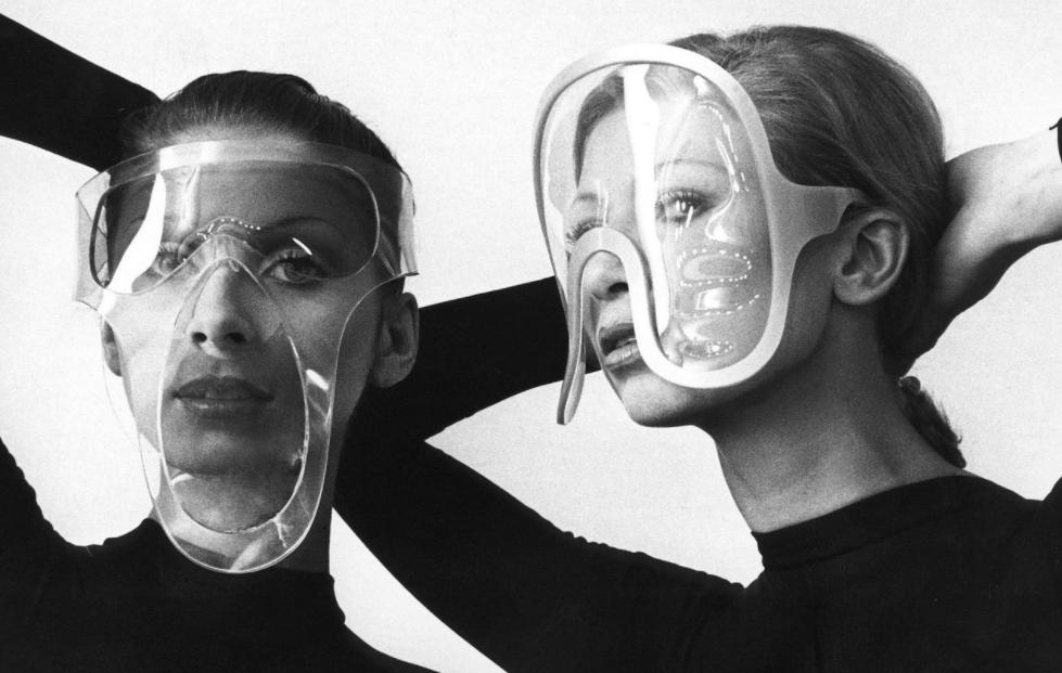 fotos moda futurista años 60:pierre cardin ropa 3
