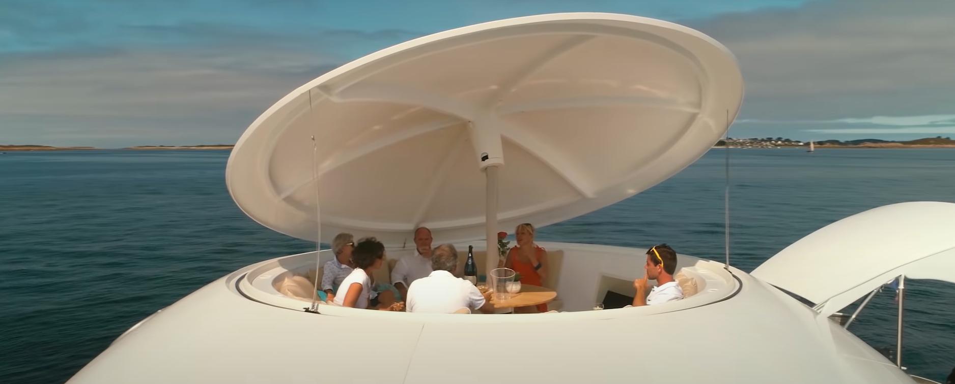 ANTHÉNEA: la cápsula flotante de lujo en el mar que te va a dejar atrapado o atrapada 4