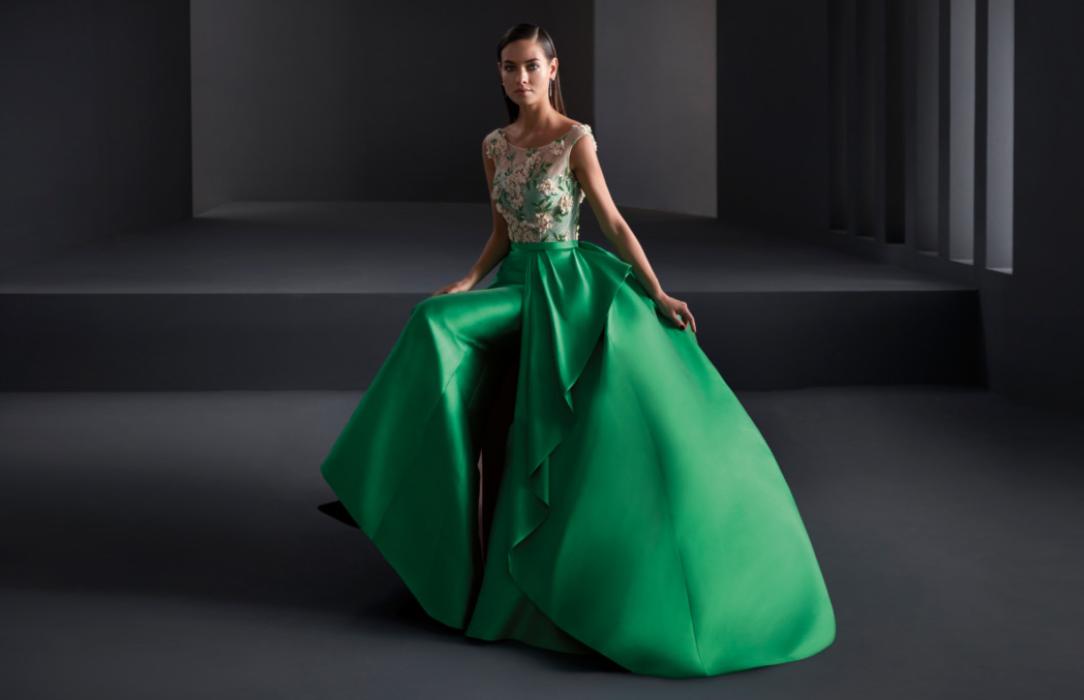 Dedicados a la venta de vestidos de novia:higar novias 5