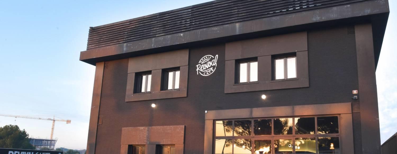 Revival Cafe - el motorbar vintage que agita Madrid. Un templo al motor. 3