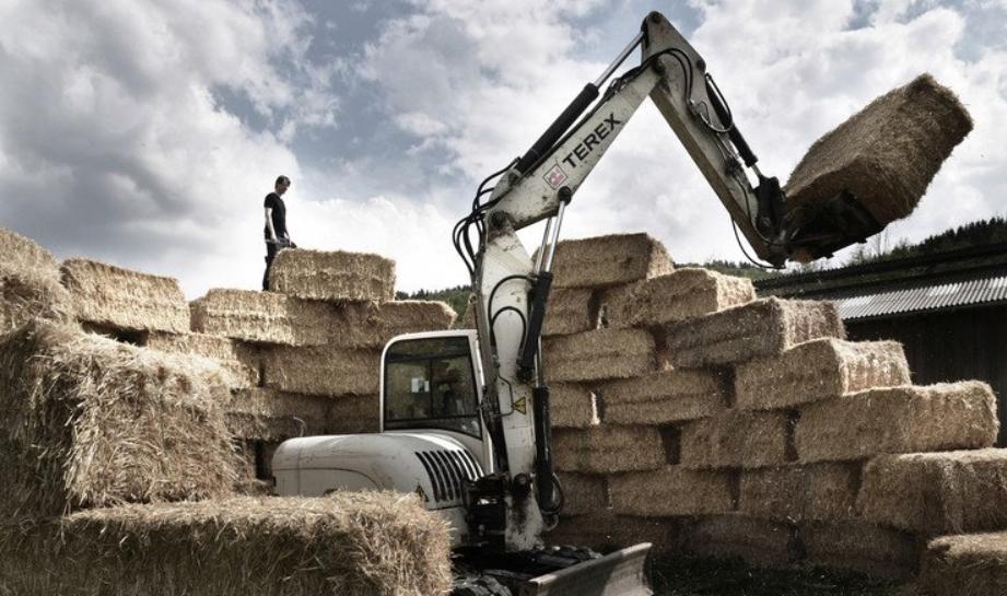 la fabricación de casas de alpacas de pajas es una alternativa barata y sostenible. 2