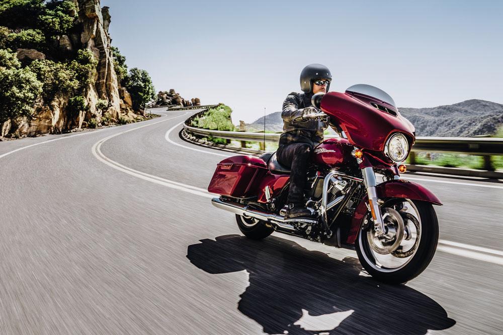 ¿Sabes cómo comprar el casco para moto adecuado? 1