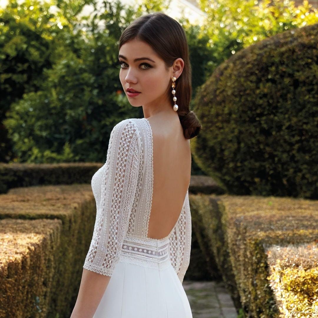 Dedicados a la venta de vestidos de novia:higar novias 3