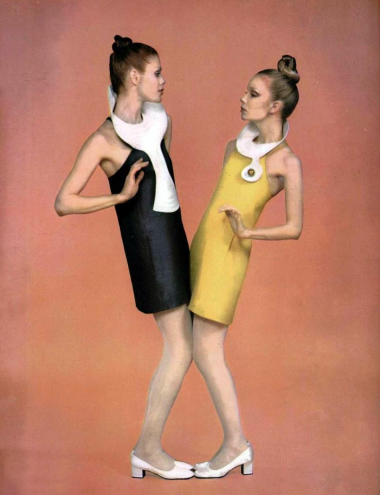 fotos moda futurista años 60:pierre cardin ropa 5