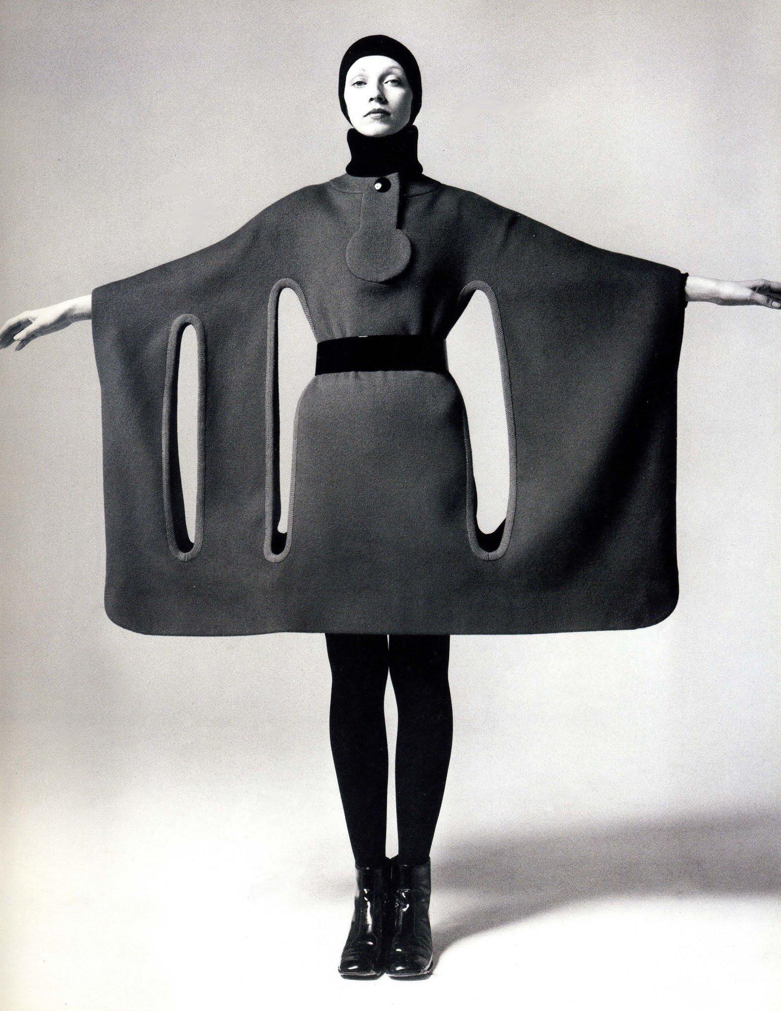 fotos moda futurista años 60:pierre cardin ropa 8