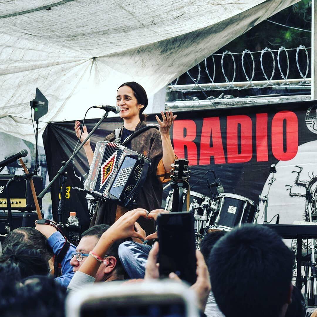 Julieta Venegas Íntimo' en México y Chile 1