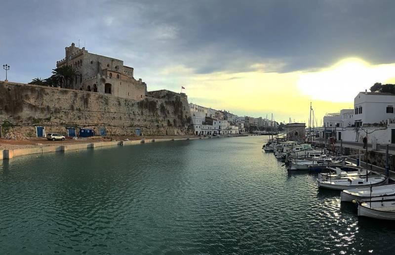 mcamorena 52594947 179965939636549 7471849229542010104 n - Llegando a mahon menorca: turismo y alojamiento en la isla