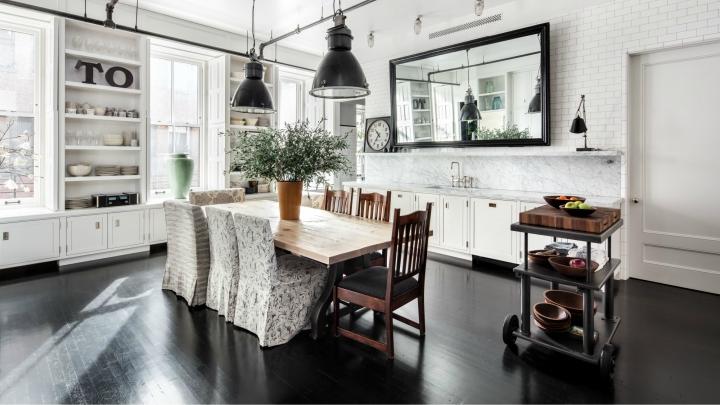 suelos madera ebano - CASAS DE FAMOSOS POR DENTRO Y POR FUERA: un apartamento de Meg Ryan
