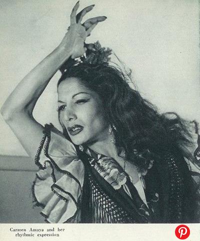 5 bailaoras españolas de flamenco y sus tocados florales icónicos 5