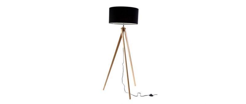 VISTO EN MILIBOO: Lámpara de diseño con pantalla negra y pié de madera clara HELIA 149,25 1