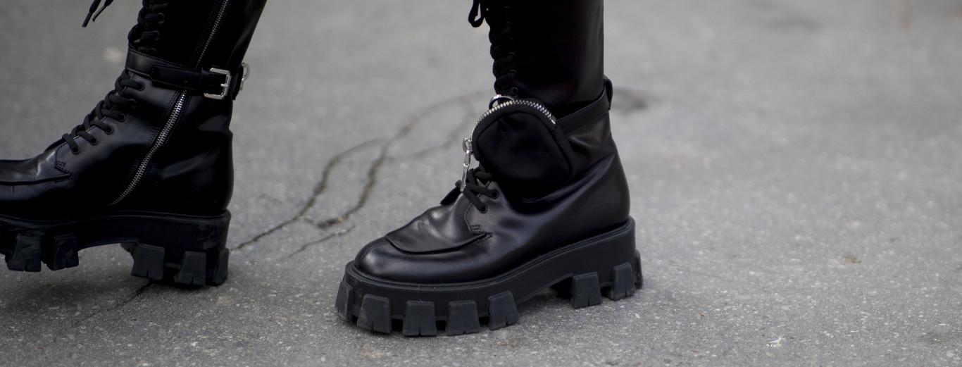 """zapatos """"Monolith"""" de Prada"""